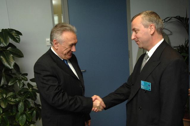 Visite de Georgi Pirinski, président du Parlement bulgare, à la CE