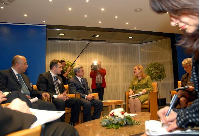 Rencontre entre Benita Ferrero-Waldner et Serzh Sargsyan, Premier ministre arménien
