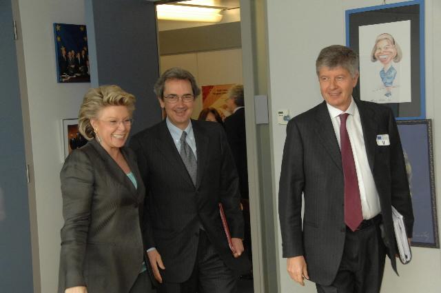 Visite de Gabriele Galateri di Genola, président de Telecom Italia, et Franco Bernabè, PDG de Telecom Italia, à la CE