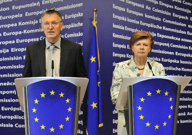 Joint press conference of Janez Potocnik and Vaira Vike-Freiberga on on the review of the ERC structures and mechanisms