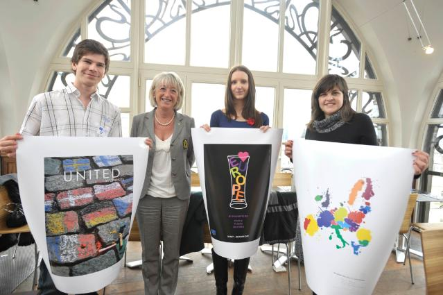 Prize-giving meeting for the Design a poster for Europe Day 2010 competition