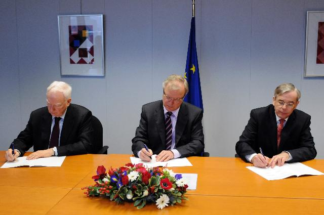 Signing of a Tripartite Memorandum of Understanding between the EBRD, EIB and EC