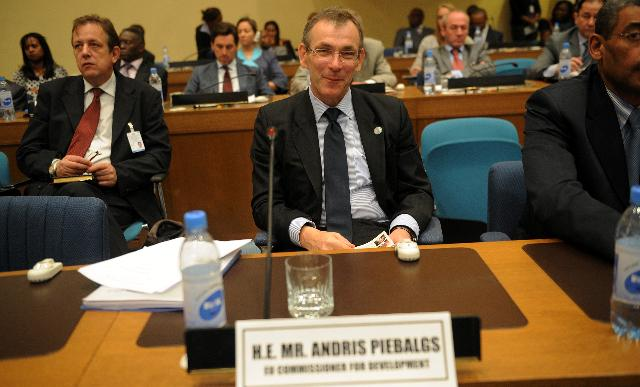 Participation of Andris Piebalgs and Michel Barnier, Members of the EC, at the 4th annual joint meeting of AU and ECA