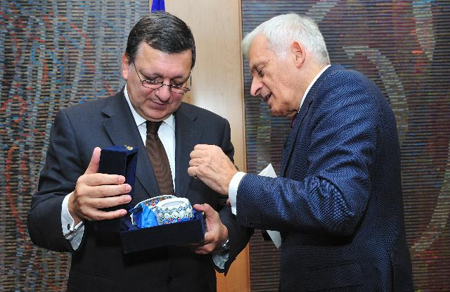 Visit of Jerzy Buzek, President of the EP, to the EC