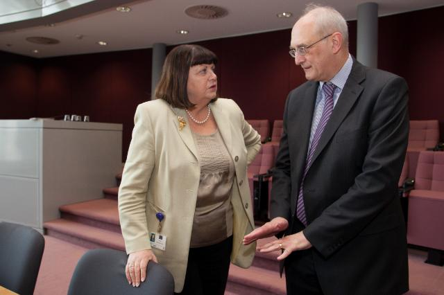 Visit of Leszek Borysiewicz, Vice-Chancellor of the University of Cambridge, to the EC