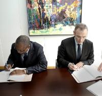 Signature of the financing agreement to support the construction of a solar power plant in Burkina Faso