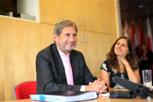 Visite de Johannes Hahn, membre de la CE, en Ecosse