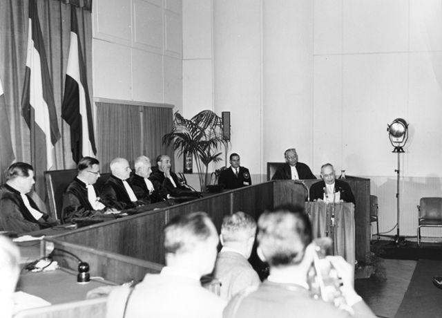 Prestation de serment des membres de la nouvelle Haute Autorité de la CECA