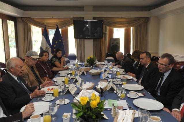 Visit of Andris Piebalgs, Member of the EC, to El Salvador