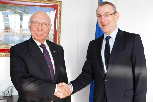 Visit of Sartaj Aziz, Pakistani National Security and Foreign Affairs Adviser, to the EC