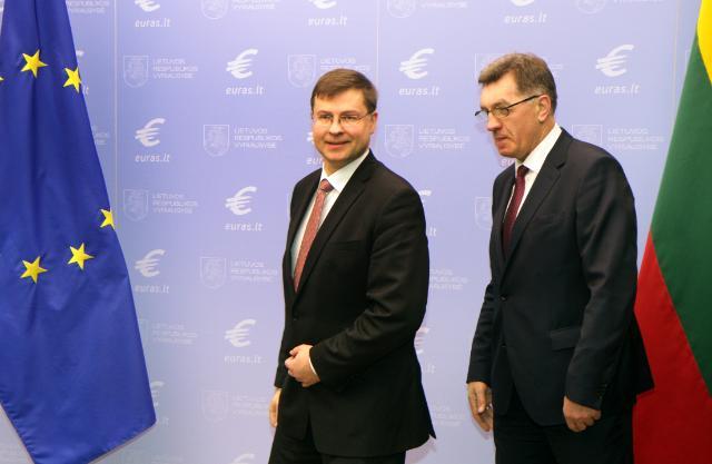 Participation de Valdis Dombrovskis, vice-président de la CE, aux festivités pour l'entrée de la Lituanie dans la zone euro