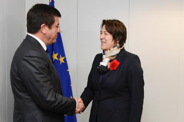 Visite de Nihat Zeybekçi, ministre turc de l'Économie, à la CE