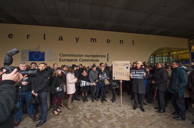 Minute de silence en hommage aux victimes de l'attentat terroriste aux bureaux de 'Charlie Hebdo', à Paris