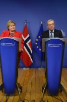Erna Solberg, on the left, and Jean-Claude Juncker