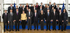 Photo de famille des membres de la Commission Juncker