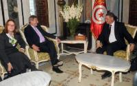 Laura Baeza, Head of the Delegation of the EU to Tunisia, Johannes Hahn and Habib Essid (from left to right)