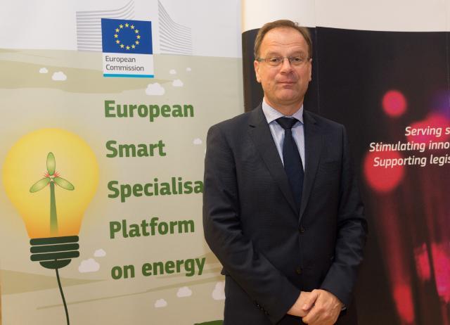Participation de Tibor Navracsics, membre de la CE, à l'évènement de lancement de la Plateforme européenne de spécialisation intelligente pour l'énergie