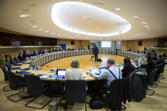 Participation of Valdis Dombrovskis, Vice-President of the EC, at the a ceremonial handover/sign-off of the High-Level Expert Group report on Sustainable Finance