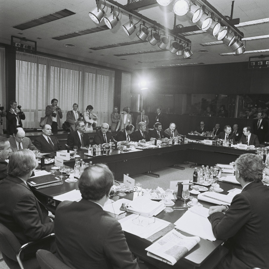 Brussels European Council, 29-30/03/1982, and commemoration of the 25th anniversary of the signing of the Treaties of Rome
