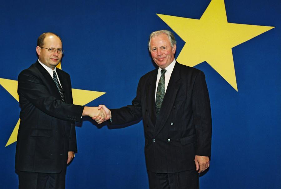 Visit of Gediminas Vagnorius, Lithuanian Prime Minister, to the EC