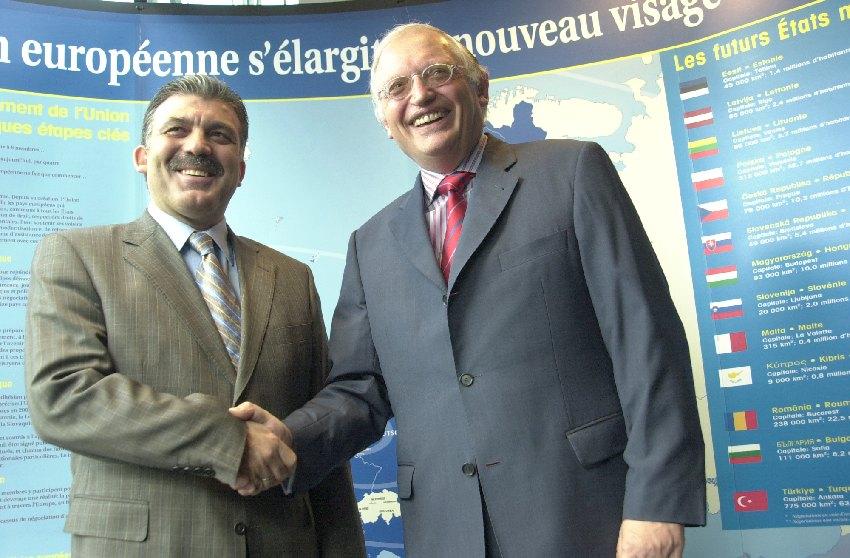 Visite d'Abdullah Gül, ministre turc des Affaires étrangères, à la CE