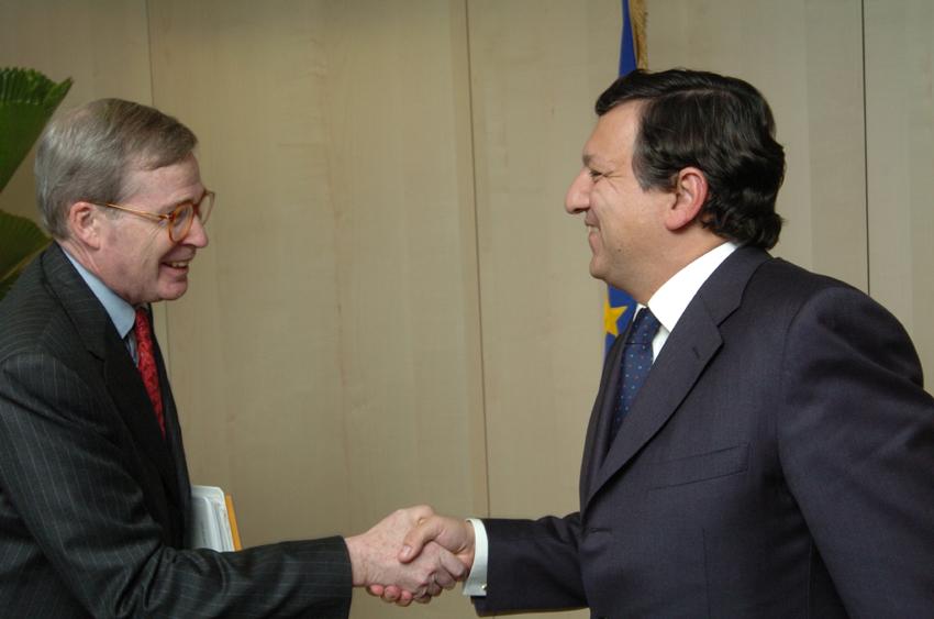 Visite de Stephen Hadley, conseiller américain adjoint à la sécurité nationale, à la CE
