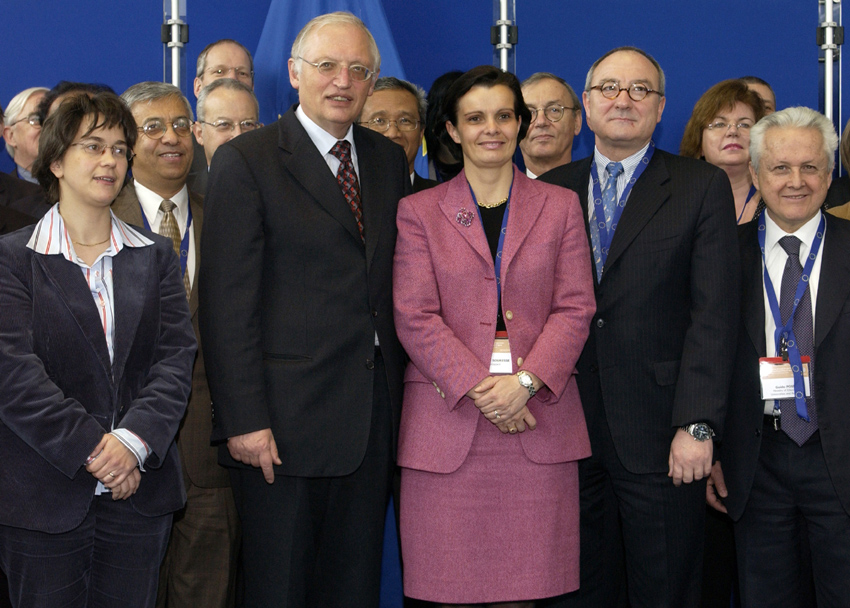 Participation of Günter Verheugen, Vice-President of the EC, at the International Conference on Cooperation in Space