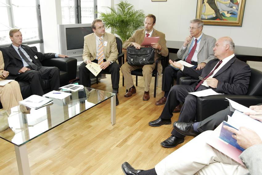 Visite de représentants de l'APICE-CEP, à la CE