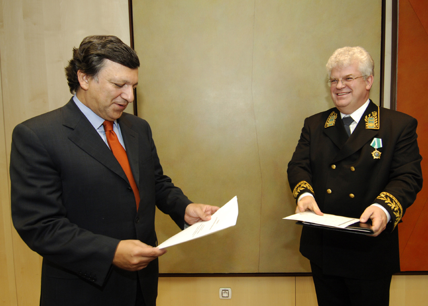 Presentation of the credentials of the Head of the Mission of Russia to the EC to José Manuel Barroso, President of the EC