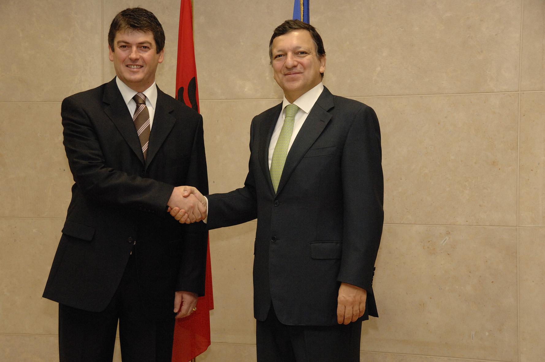Visite de Bamir Topi, président de l'Albanie, à la CE