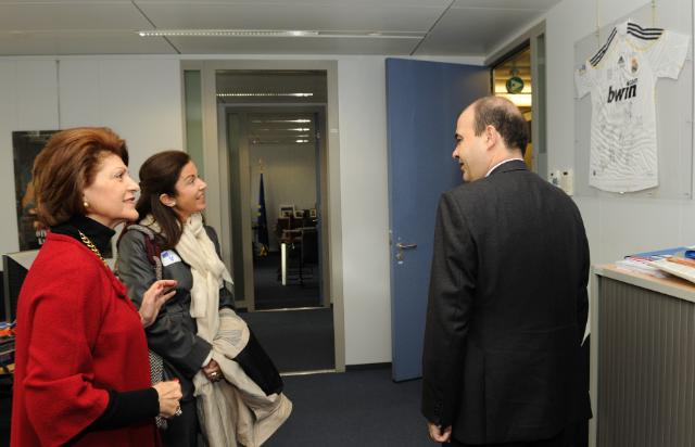 Visit of Manuel Redondo, Director-General of the President's Office of the Real Madrid, to the EC