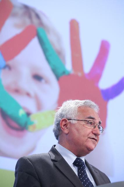 Conférence de presse conjointe de John Dalli, membre de la CE, et Zhi Shuping, directeur chinois du Bureau d'Etat pour le Contrôle de la Qualité et la Quarantaine de la Chine, sur le rapport annuel 2010 sur le système RAPEX