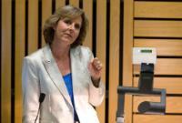 Participation de Connie Hedegaard, membre de la CE, au débat 'L'UE est-elle assez puissante pour répondre à la crise environnementale?', organisé à Londres