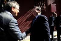 Handshake between Orhan Pamuk and José Manuel Barroso (in the foreground, from left to right)