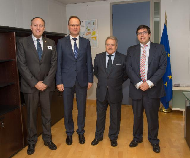 Visit of Alfonso Rus, Mayor of Játiva and President of the County Council of Valencia, Vicente Ibor, Mayor of Paiporta, and Juan Manuel Revuelta, Director of Finnovaregio Foundation, to the EC