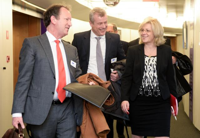 Visite d'une délégation de l'UNIFE à la CE