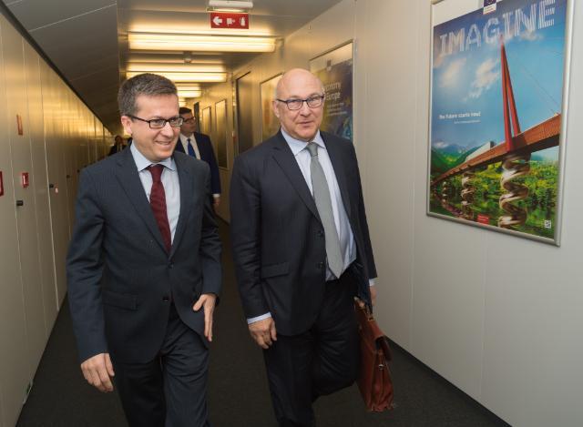 Visite de Michel Sapin, ministre français des Finances et des Comptes publics, à la CE