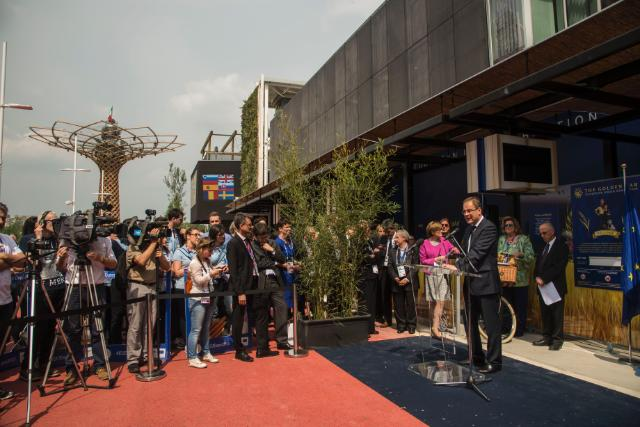 Visit of Tibor Navracsics, Member of the EC, at the Milan International Expo 2015