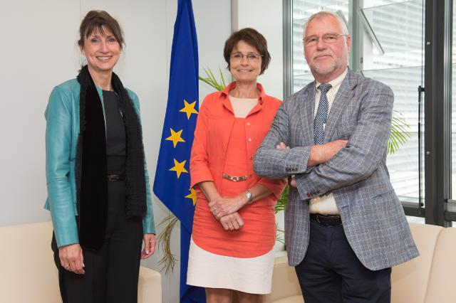 Visit of Viviane Camphyn, Managing Director of Nelectra, and Eric Claus, Chairman of Nelectra, to the EC