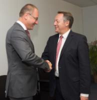 Visite de Thierry Braillard, secrétaire d'Etat, auprès du ministre de la Ville, de la Jeunesse et des Sports, chargé des Sports, à la CE