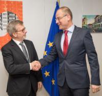 Visit of Renaud Dehousse, Director of the Centre for European Studies of the IEP (Institut d'Etudes Politiques) of Paris, to the EC