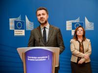 Participation de Dimitris Avramopoulos et Marianne Thyssen, membres de la CE, à une cérémonie de signature avec les partenaires sociaux