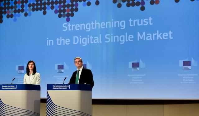 Press conference of Julian King and Mariya Gabriel, Members of the EC, on the Digital Single Market package, specifically platforms and disinformation