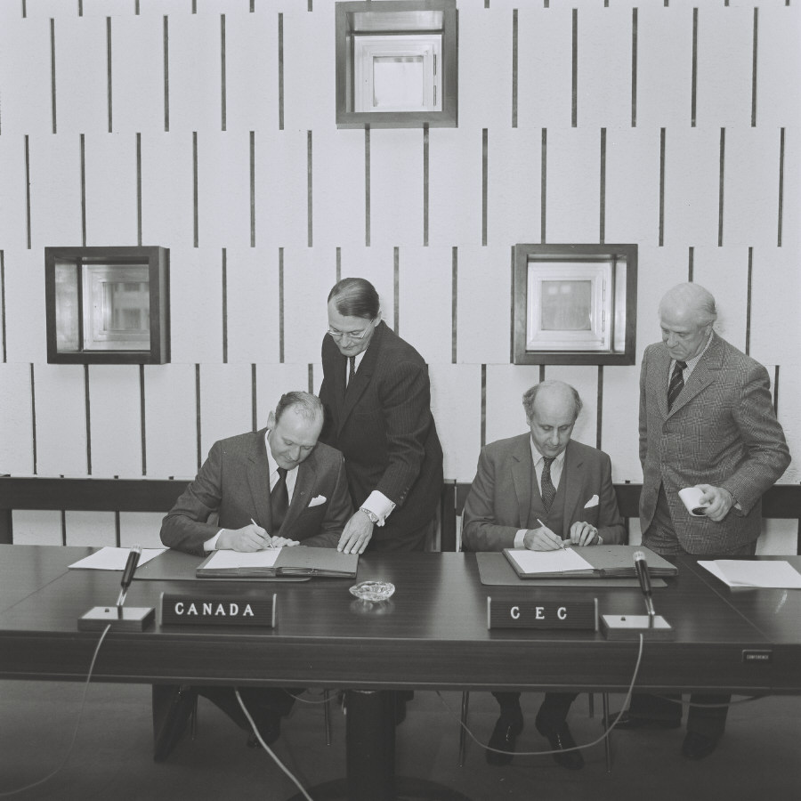 Signing of an agreement EURATOM/Canada on management of nuclear waste