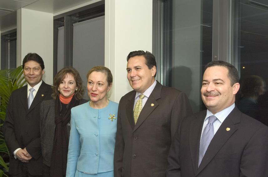 Visite de Francisco Lainez, ministre salvadorien des Affaires étrangères, à la CE