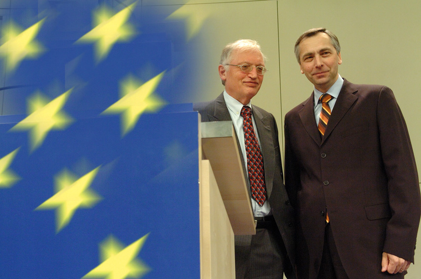 Press conference by Günter Verheugen, Vice-President of the EC, and Ján Figel', Member of the EC, on promotion of business spirit in schools and universities