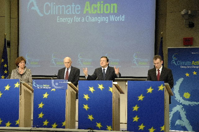 Press conference on the Renewable Energy and Climate Change Package