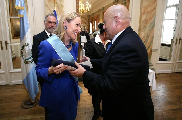 Award of the prize Condecoration de la Orden del Quetzal en el grado de Gran Cruz to Benita Ferrero-Waldner, Member of the EC