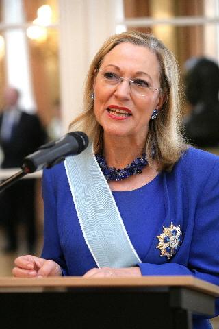 Remise du prix Condecoration de la Orden del Quetzal en el grado de Gran Cruz à Benita Ferrero-Waldner, membre de la CE
