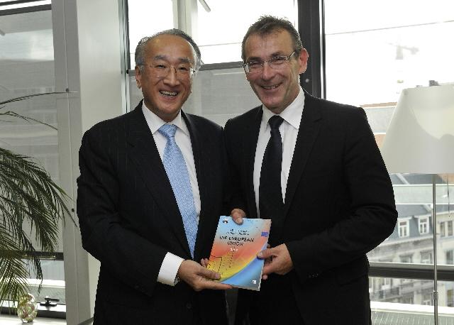 Visite de Nobuo Tanaka, directeur général de l'Agence internationale de l'énergie, à la CE